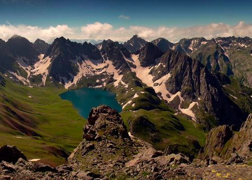 c_500_500_16777215_00_images_georgia_lake_Ozero-Tobavarchkili.jpg